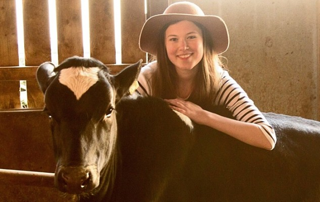 Miss England - Eleanor with cow Rosie-Juno
