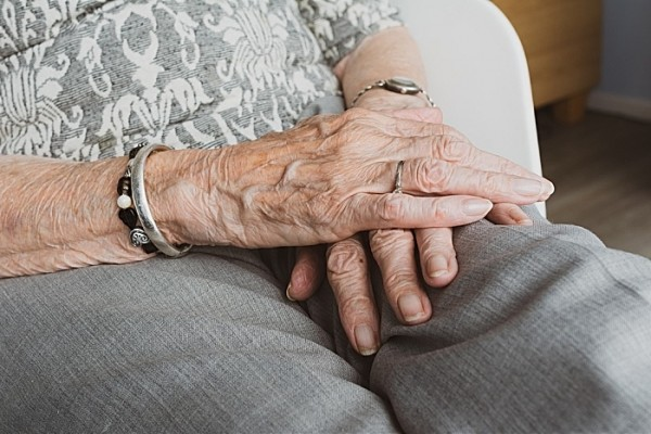 elderly social care pic by pixabay licence free