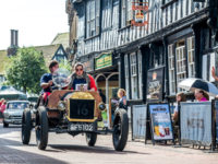 Hundreds line streets for Nantwich 'Weaver Wander' classic car parade