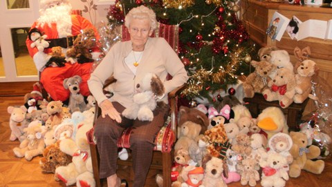 Hundreds donate teddies for Wingate Centre cuddly toy appeal