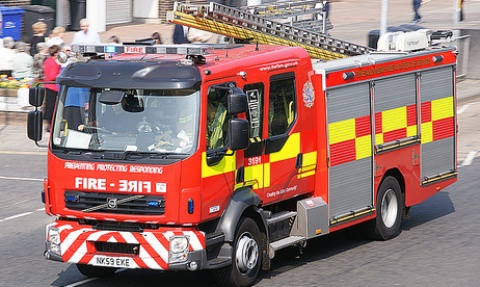 Vandals set fire to bin in Swine Market, Nantwich
