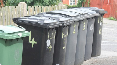 Cheshire East Council issues high winds wheelie bin warning