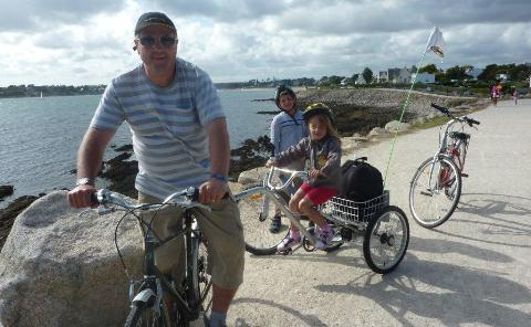 Nantwich dad's London to Paris ride for Railway Children charity