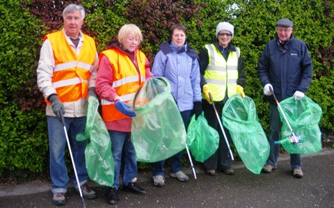 Nantwich Litter Group targets Middlewich Road in New Year pick