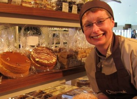 Florist lands dream cake job at Cheerbrook in Nantwich