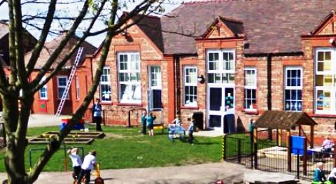 Councillors vote to back Nantwich Children's Centre over axe threat