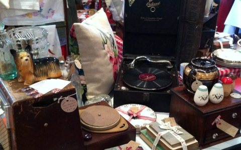 "Friends to launch ""Perpetual Vintage"" shop at Dagfields near Nantwich"