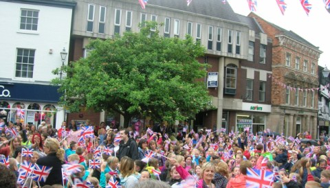 Nantwich town square hosts Jubilee beacon celebration