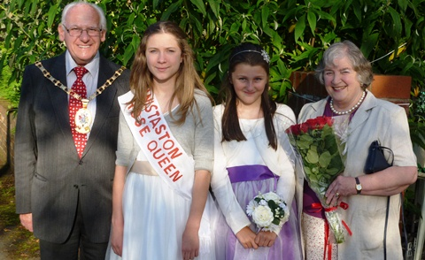 Wistaston couple's garden party raises Diabetes UK funds
