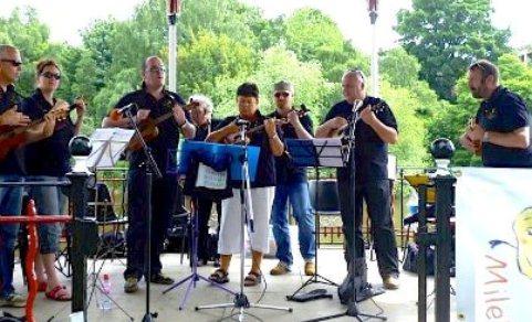 Nantwich N'Ukes at Chester Buskulele festival