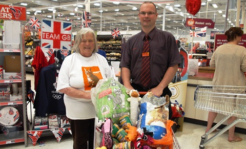 Sainsbury's Nantwich agrees food help for local RSPCA