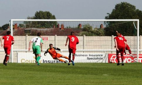 Grantham Town score from the spot against Nantwich Town (pic by Simon J Newbury)