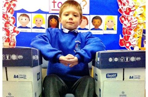"""Nantwich primary school unveils """"paper-free"""" pledge"""