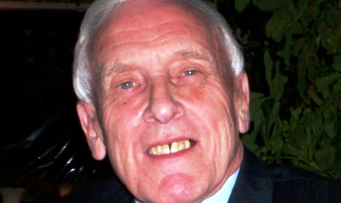 Nantwich Town plan tribute after death of popular Frank Dale