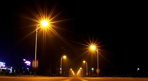 street lighting (pic by Cokabug)