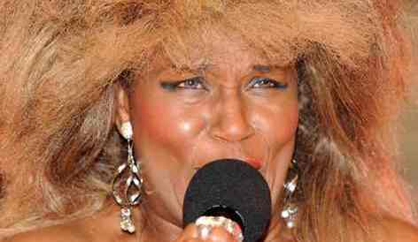 Kinisha, to perform at Nantwich Town FC