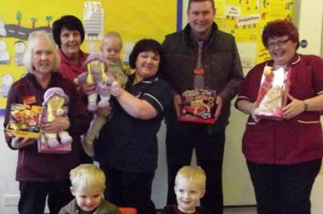 Nantwich shoppers donate gifts to Leighton Hospital children