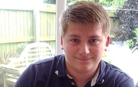 Nantwich cake club stage fund-raiser for tragic rugby teenager