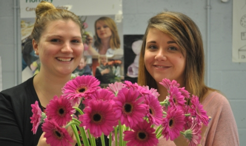 Nantwich college students scoop flower jobs in Bermuda!