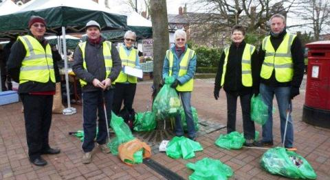 Nantwich Litter Group fill 30 bags in town centre clean up