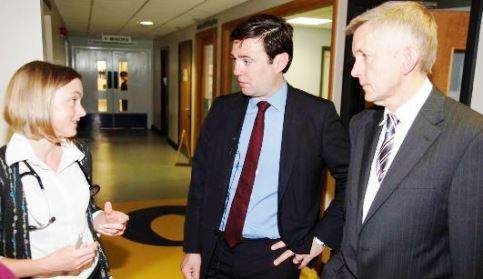 Andy Burnham at Leighton Hospital with Dr Shirley Hammersley (Consultant) and Dr Adrian Heald (Consultant)