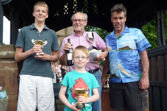 Fig Pie race winners (l-r) George Shepherd - James Coney - Peter Wenzl - compere