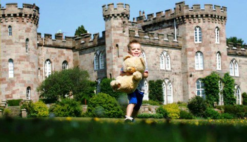Cholmondeley Castle Teddy Bears Picnic will raise vital hospice cash