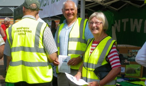 Nantwich Litter Group boosted by new volunteers