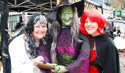 "Nantwich shoppers ""bedazzled"" by Spooktacular event organisers"