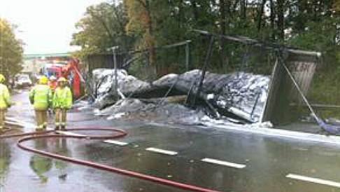 Lorry fire closes M6 in Cheshire, sparking 10-mile tailbacks
