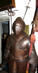 suit of armour, robbery story