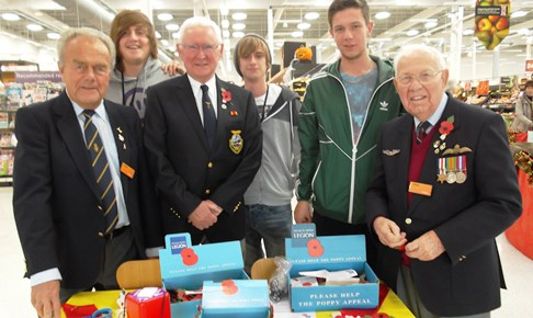 Students join veterans to sell poppies in Nantwich store