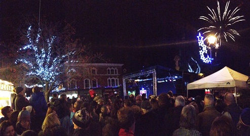Thousands pack Nantwich town centre for Christmas Lights event