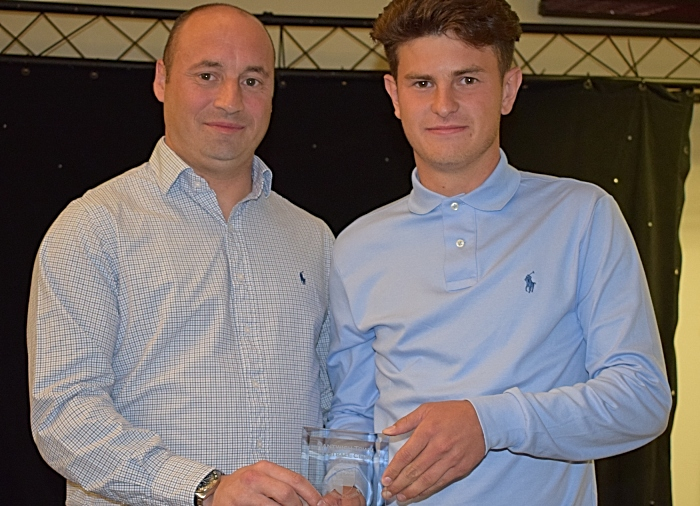 2018-19 Player of the Year - Chris Dodgson from Kindertons presents the award to Jamie Morgan (1)