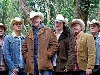 Paul Young and Los Pacaminos to perform live in Nantwich