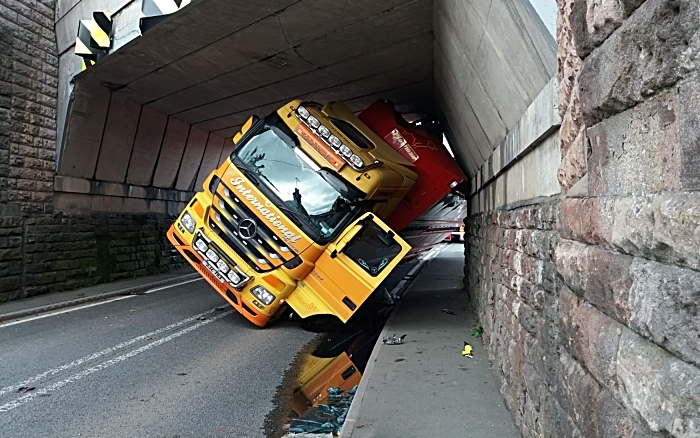 A49 Lorry collides with railway bridge on Whitchurch Road, Beeston