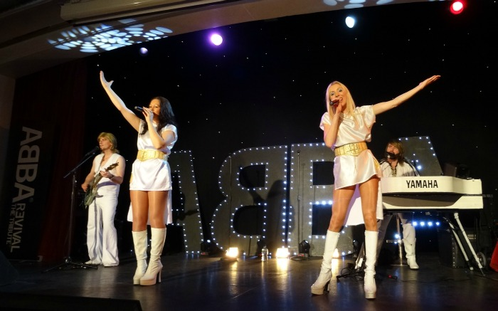 ABBA Revival - performing (2)