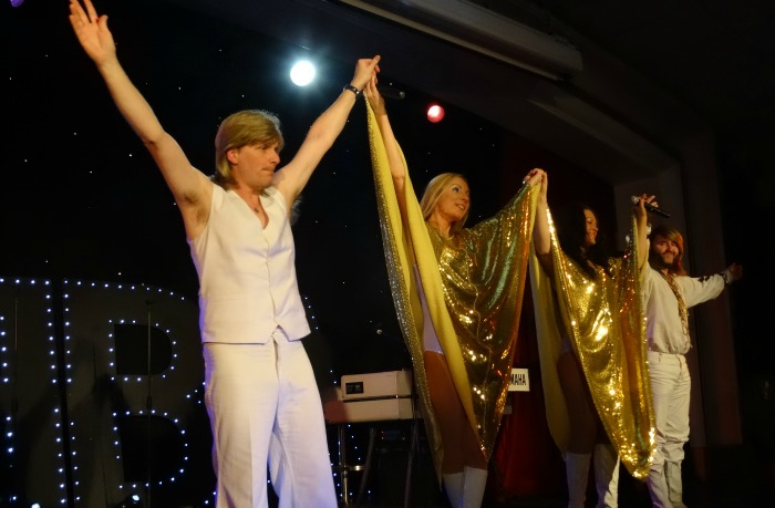 ABBA Revival - taking a bow at the end