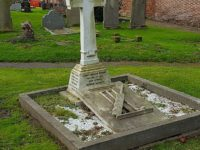 Historic cricketing Ashes link to Nantwich sportsman buried at Acton