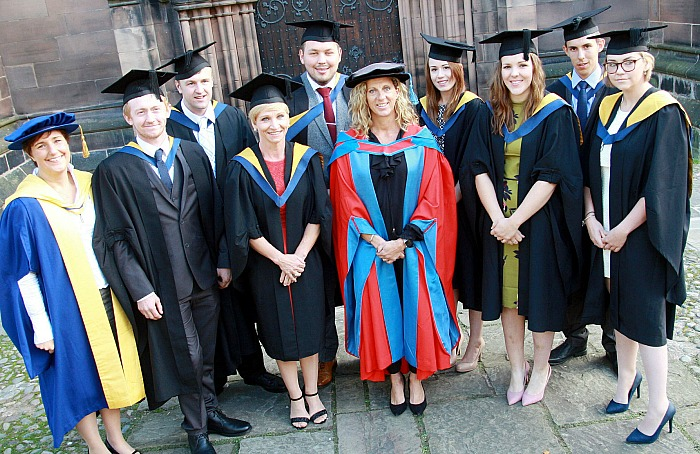 agriculture-graduates-with-course-manager-dr-jane-richardson-and-sally-gunnell