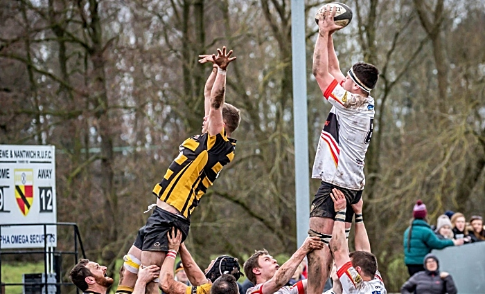 Ali Laing lineout for crewe and nantwich v stafford