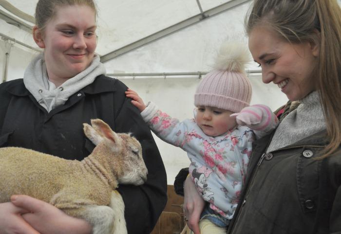 Ava McGuigan and mum Chloe McGuigan, Sophie Kirk student