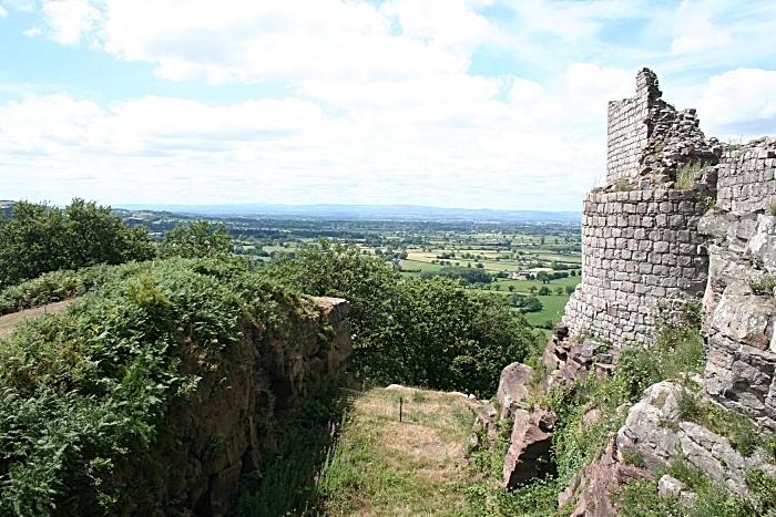 Beeston Castle - Credit David Dunford walksfromthedoor (1)