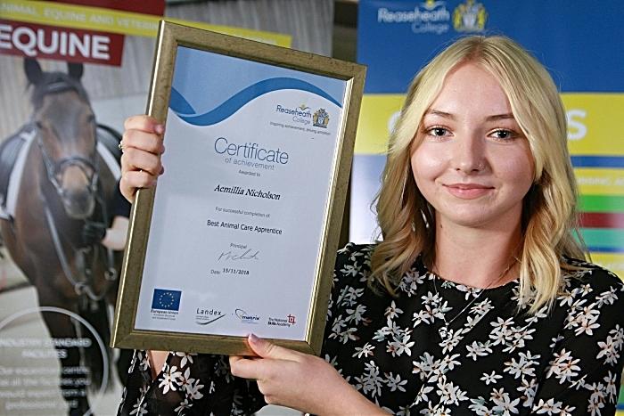 Best animal care apprentice Aemillia Nicholson (1)