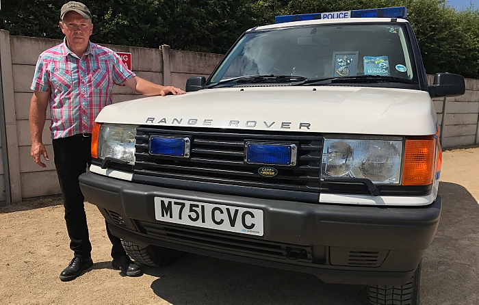 Blue Light Vehicle Preservation Group - Range Rover P38a and owner Richard Hopkins (1)