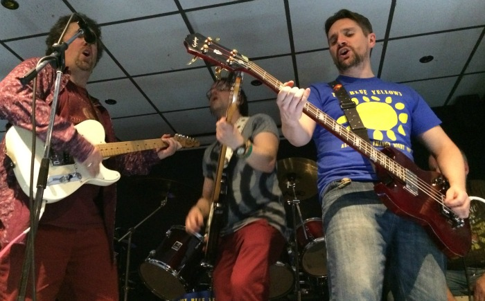 Willaston Social Club - Brave New World and The Blue Yellows combine for Rockin in the Free World (2)