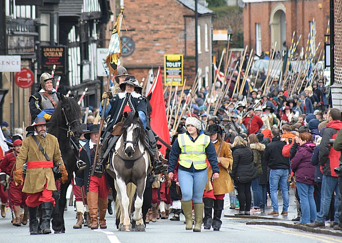 Cavalry-led parade of several hundred Sealed Knot troops along Welsh Row