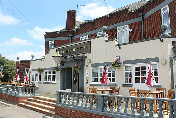 Cheshire Cheese pub in Shavington
