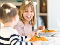vouchers - Children eating a healthy meal (1)