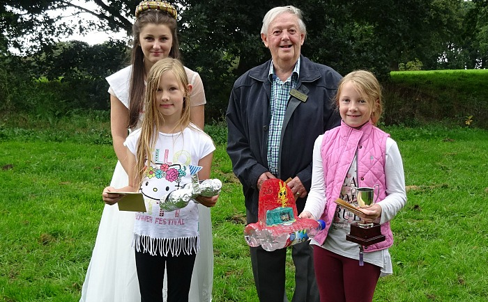 childrens-model-boat-race-1st-2nd-rose-queen-and-roger-woodward-wistonian-of-the-year